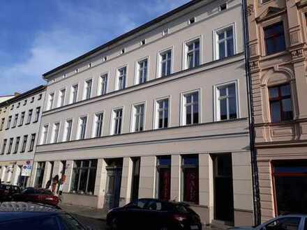 Gewerberäume mit geölten Dielen, Neustadt Nähe Fußgängerzone, von privat
