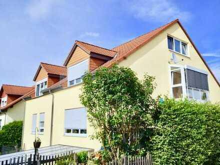Einfach schöner Wohnen... großzügige und lichtdurchflutete Maisonettenwohnung in ruhiger Wohnlage