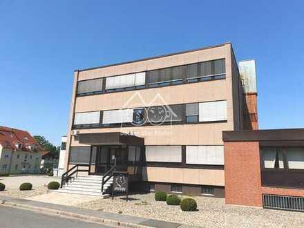 Komplettes Bürohaus! Großzügige Büro- oder Kanzleiflächen in verkehrsgünstiger Lage von Eckental