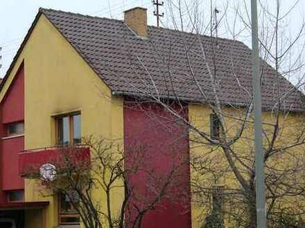 2-Familien-Wohnhaus mit sehr viel Platz.