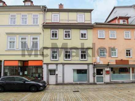 Im Herzen der Altstadt: Bewohnte 3-Zi.-Maisonette mit uneinsehbarer Dachterrasse