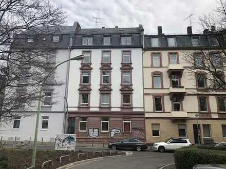 3,5-Zimmer-Dachgeschosswohnung mit Balkon u. Spitzboden