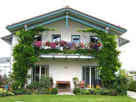 ... vom Feinsten - im 2-Familien-Haus -**provisionsfrei **