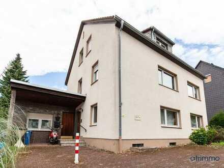 Zwei Erdgeschoss-Wohnungen mit insgesamt 183 qm, großem Garten und viel Potenzial für große Familien