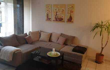 Schöne DG-2-Raum-Wohnung mit Balkon