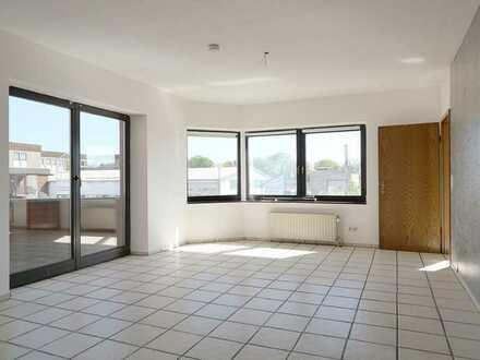 Schön aufgeteilte 2,5 Zimmerwohnung mit 2 Balkonen