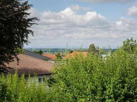 Top Aussichtslage - Klasse aufgeteiltes EFH mit Ausbaureserve und großem Garten!