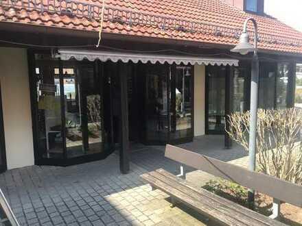 Laden, Büro oder Praxis ca. 85 m² Fläche, im Erdgeschoß u. Dachgeschoß