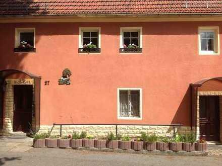 Erstbezug nach Sanierung mit EBK: günstige 2,5-Zimmer-DG-Wohnung in Strahwalde