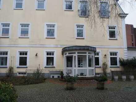 Anspruchsvolle, sanierte 4-Zimmer-Wohnung im Helenenhof in Flensburg