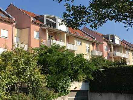 3,5-Zimmer Wohnung, Einbauküche, Balkon, TG-Stellplatz, top Lage