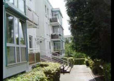 Stilvolle und gepflegte Wohnung im Penthouse-Stil mit Fernblick, Terrasse und EBK in Wiesbaden