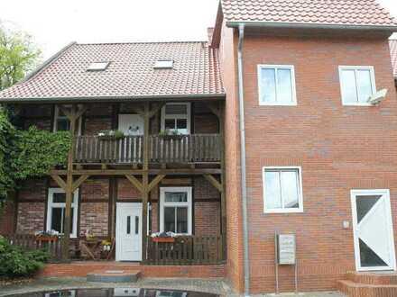 +Attraktive 2,5-Zimmer-Wohnung mit BALKON in ruhiger Zentrumslage+