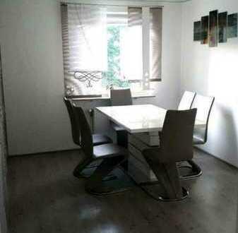 5 Zimmer -Wohnung mit Balkon,top renoviert