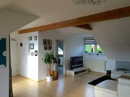 3 Zimmer DG/möbliert, lichtdurchflutet mit sonniger Loggia