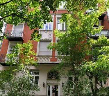 Sanierter Altbau - Ruhig - 3 Balkone - Kamin - Wohnküche