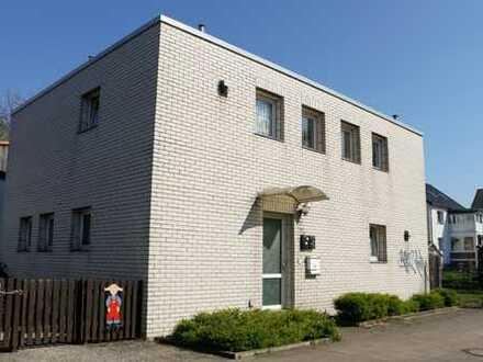 Mehrfamilienhaus Groß Buchholz mit Potenzial für 1- oder 2-Familienhaus