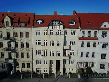 Schöne helle 4-Zimmerwohnung mit Balkon und großer Wohnküche