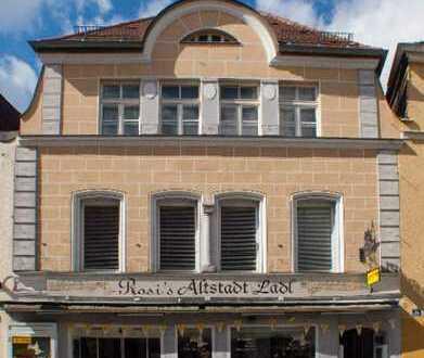 Altstadthaus + doch modern! In WEN - restl. renov. Laden od. Büro + 2 schöne Wohnungen + Atriumhof