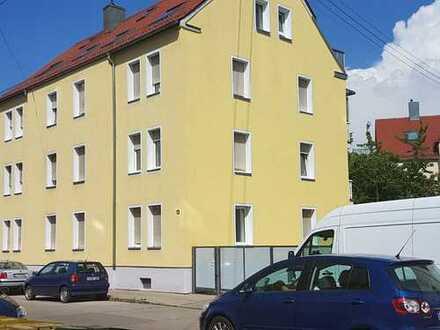 Modernisierte, helle 2-ZKB-Wohnung mit EBK in Augsburg/Pfersee