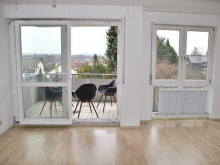 Stilvolle, gepflegte 2,5-Zimmer-Wohnung mit Balkon und Einbauküche in Backnang