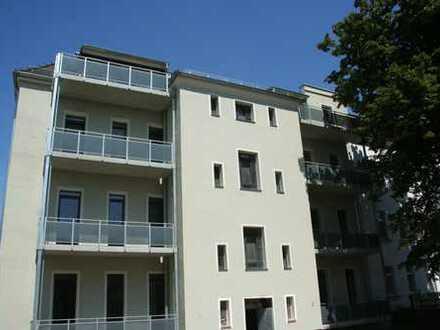 Helle Vierraumwohnung mit Balkon!