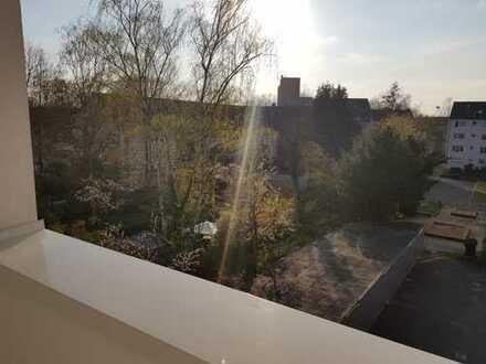 Großartige 3 Zimmer Dachgeschoß Wohnung mit Sonnen-Balkon