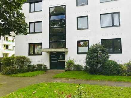 Stilvolle, neuwertige 3-Zimmer-EG-Wohnung mit Doppelbalkon und Einbauküche in Bremen