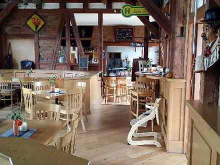 Unikat-Restaurant in einem alten Bahnhof mit Biergarten und Pächterwohnung (ohne Ablöse)