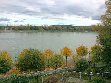Repräsentative Villa mit Traumblick! Direkt am Rhein!