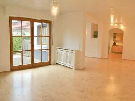 Modernisierte DHH mit großem Garten und Garage in guter Wohnlage in Mühlheim