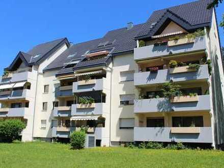 Gut gelegene 4,5-Zimmer-Wohnung mit Balkon in Gerlingen