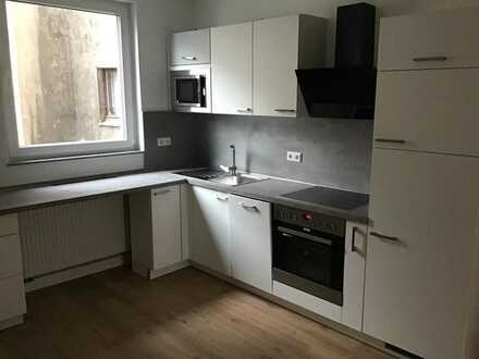 Frisch renovierte 2 Zimmerwohnung mit Einbauküche