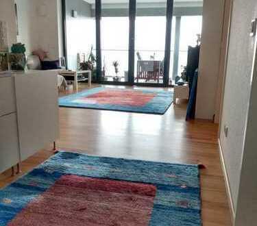 Nachmieter für helle geräumige 2-Zimmer-Wohnung mit Balkon gesucht