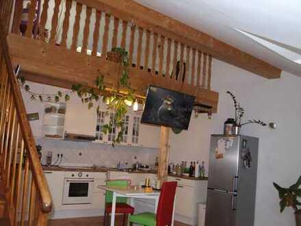 Stilvolle 2-Zimmer-DG-Wohnung mit Galerie PROVISIONSFREI