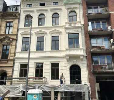Repräsentative Bürofläche in der Belle Etage mit hohen Stuckdecken in Gründerzeithaus in Ringlage