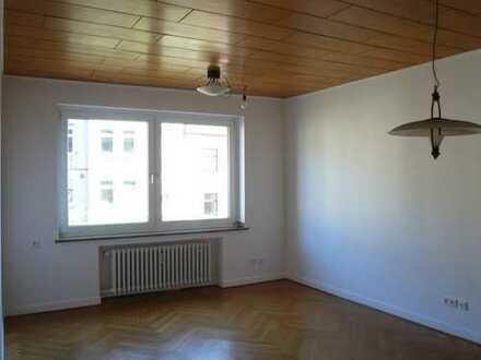 Vollständig renovierte 3-Zimmer-Wohnung mit gr.Küche und Balkon in Düsseldorf