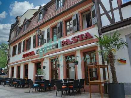 Wohn-und Geschäftshaus in Neustadter Fußgängerzone