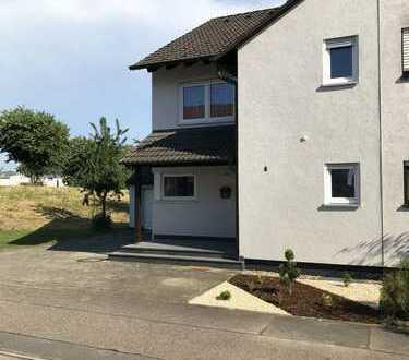 gemütliche Doppelhaushälfte in unverbaubarer Lage mit Blick ins Grüne