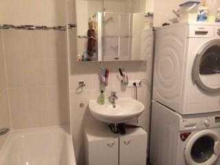 Suche dringend – ab sofort – für meine sehr große, helle und geräumige 3-Zimmer-Wohnung.