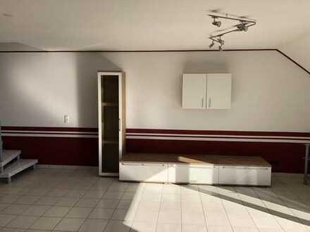Modernisierte 3-Zimmer-Maisonette-Wohnung mit Balkon und Einbauküche in Linkenheim-Hochstetten