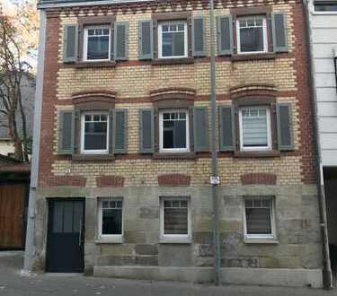 Schönes Stadthaus mit sieben Zimmern in 71229 Leonberg