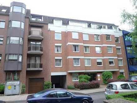Schicke 4- Zimmer Wohnung mit Kamin im Neubaustandard in Düsseldorf - Golzheim!