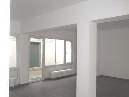 ** Praxis/Büro/Ausstellungsraum **