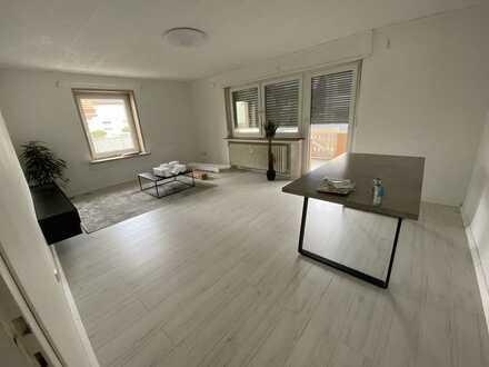 Vollständig renovierte Wohnung mit drei Zimmern sowie Balkon und EBK in Philippsburg