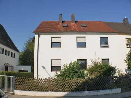 Rarität im Inneren Westen Doppelhaushälfte auf großem Grundstück