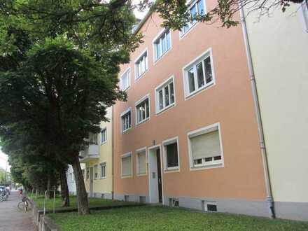 Attraktive 2-Zi- Wohnung in schöner Lage