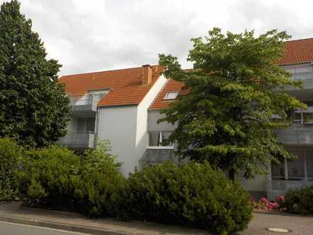 Moderne 3ZKBB Dachgeschoßwohnung in zentraler Lage
