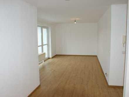 Vollständig renovierte 2-Zimmer-Dachgeschosswohnung mit Balkon und Einbauküche in Rimbach