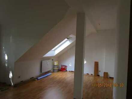 *schöne, frisch renovierte 3-Raum Wohnung*